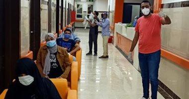 مستشفى العديسات للحجر تعلن خروج 4 حالات عقب شفاؤهم من كورونا بالأقصر