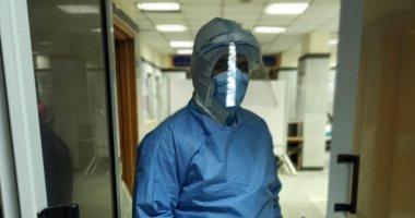 """الجيش الأبيض.. """"محمود"""" أخصائى تحاليل بمستشفى العزل فى مواجهة كورونا"""