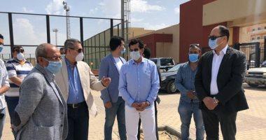 وزير الرياضة يتفقد أعمال مدينة الشباب بحي الأسمرات (صور)