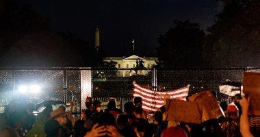 نيويورك تايمز: مظاهرات جورج فلويد تحول البيت الأبيض إلى قلعة محصنة معزولة
