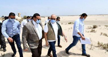 وزير الإسكان ومحافظ البحيرة يتفقدان مشروعات المرحلة الأولى بمدينة رشيد الجديدة