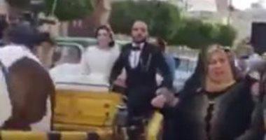 """حفل زفاف بـ""""كارتة ودى جى"""" فى شوارع زفتى رغم تحذيرات كورونا.. فيديو وصور"""