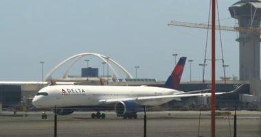 شركات طيران أمريكية تهدد بتسريح آلاف العاملين للضغط على الكونجرس للمساعدة