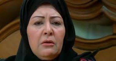 عفاف شعيب تشيع جثمان شقيقتها بمقابر الأسرة فى مدينة 6 أكتوبر