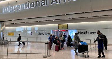 مطارات بريطانيا تنفذ إجراءات الحجر الصحى على القادمين من الخارج بسبب كورونا