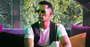 كورونا فيروس.. محمد رمضان يروج لأغنيته الجديدة بصورة من الكواليس