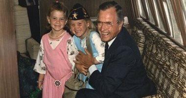ابنة جورج بوش تحيى ذكرى ميلاد جدها: أحبك أكثر مما يستطيع اللسان قوله