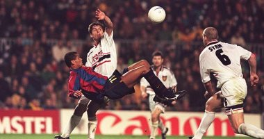"""صورة جول مورنينج.. """"دبل كيك"""" ريفالدو يحرم مان يونايتد من الفوز على برشلونة"""