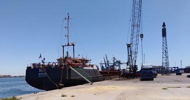 شحن 3700 طن زجاج وتفريغ 3500 طن رخام وتدوال 26 سفينة بموانئ بورسعيد