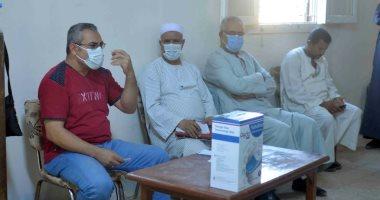 صور.. دورة تدريبية بقرية طفنيس للمتطوعين وطلبة الطب لمتابعة حالات العزل بإسنا