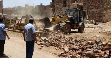 محافظ أسيوط: إزالة 22 مخالفة بناء وتعديات خلال يوم واحد بحى شرق ومنفلوط