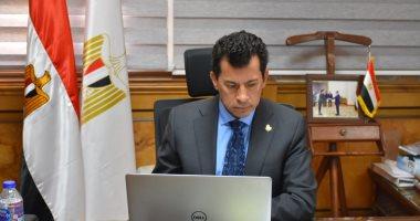 وزير الرياضة يبحث تطوير مراكز الشباب ورفع كفاءة البنية الإنشائية