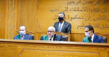 المستشار محمد السعيد الشربينى وهيئة المحكمة ـ أرشيفية