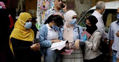 توافد طلاب الثانوية العامة على لجان الامتحانات مرتدين الكمامات