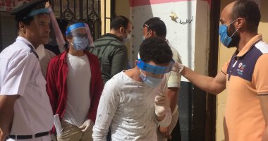 تأخر توزيع اسئلة امتحان العربي في لجان سمالوط بالمنيا