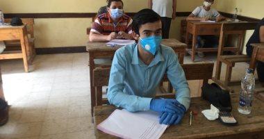 غرفة عمليات الثانوية الأزهرية: 3 حالات غش بالمحمول و 8 ورقى بامتحان الاستاتيكا