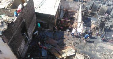 النيابة تكلف خبراء الأدلة الجنائية بفحص موقع حريق مصنع حلويات بمشتول السوق