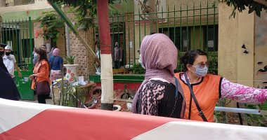 فيديو وصور.. تنظيم طلاب الثانوية بالغربية أثناء دخول اللجان لمنع الزحام