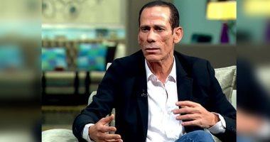 """محمود عزب يكشف لـ""""اليوم السابع"""" تفاصيل وفاة شقيقه بفيروس كورونا"""