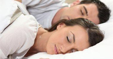 بلاش بُعد.. تواجد الأزواج بجانب بعضهم يقلل من اضطرابات النوم