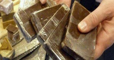 حبس عاطلين بحوزتهما مواد مخدرة فى حلوان