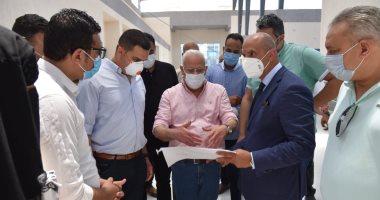 محافظ بورسعيد يتفقد سوق الخضار الجديد ويتابع  العمل بالميناء البري الجديد