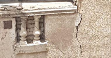 قارئ يشكو من ظهور تصدعات بشرفات عقار مجاور لمسكنه بسيدى بشر الإسكندرية