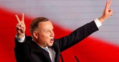 فرحة الرئيس البولندى وسط أنصاره بعد تقدمه فى الانتخابات الرئاسية