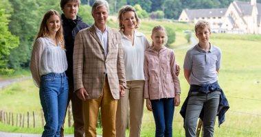 البساطة تكسب..نزهة للعائلة الملكية فى بلجيكا بإطلالات غير لافتة للانتباه.. صور