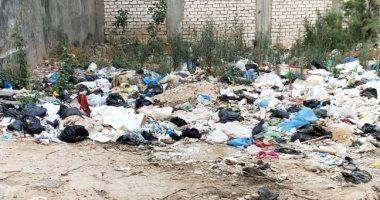 أهالى شارع أبو بكر الصديق فى الإسكندرية يطالبون بتوفير صناديق قمامة