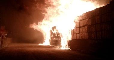 """""""الإطفاء الكويتية"""": احتراق 3 آلاف سيارة جديدة فى حريق ضخم بمخزن بميناء عبدالله"""