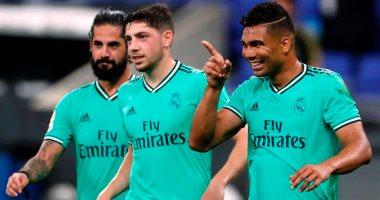 ريال مدريد يتخطى اسبانيول بصعوبة ويعتلى صدارة الدوري الإسباني