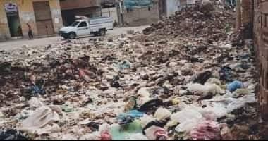 أهالى سندبسط بالغربية يناشدون المسؤولين برفع تراكمات القمامة بالقرية