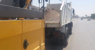 استلام 4 معدات لكنس وشفط الأتربة من الشوارع والميادين وحملات تعقيم بأسيوط -