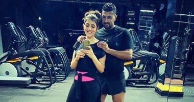 مي عمر وزوجها المخرج محمد سامي في أحدث صورة لهما داخل الجيم
