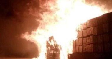فيديو..السيطرة على حريق اندلع فى 3 آلاف سيارة جديدة بميناء عبدالله بالكويت