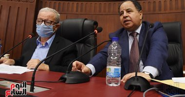 """وزير المالية: """"إذا لم تُدار الدولة صح هترجع تقف في طابور العيش"""""""