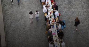 """""""الأكل يجمعنا"""" مائدة طعام 500 متر فى التشيك للاحتفال بتخفيف قيود كورونا"""