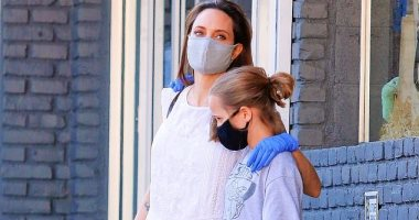 10 صور لأنجلينا جولى فى أول ظهور خارج منزلها مع ابنتها منذ شهور بسبب كورونا