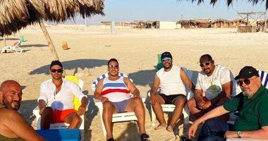 """فرقة """"علاء الدين"""" على البحر.. أحمد عز والهواري يستعدان لإعادة عرض المسرحية"""