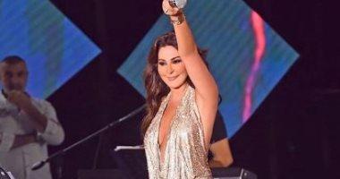الفنانة إليسا: بعبد الشعب اللبنانى العظيم باستثناء بعض المحسوبين علينا