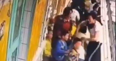 كاميرا مراقبة ترصد إجلاء 176 طفلا خلال 17 ثانية عند حدوث زلزال بالصين.. فيديو -