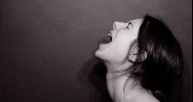 صرخات أنثى: زوجى تبرأ من أطفاله وطعن فى نسبهم بعد 16 سنة عشرة