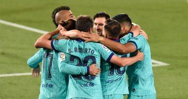 برشلونة يتفوق على فياريال بثلاثية رائعة فى الشوط الأول بالدوري الإسباني.. فيديو