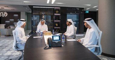 محمد بن راشد ينشر صورة من أول يوم عمل بوزارة الاقتصاد فى الإمارات