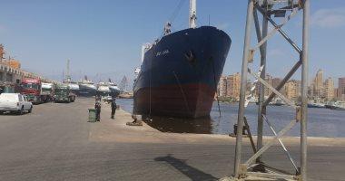 ميناء الإسكندرية يشهد نشاط فى حركة السفن ودخول 67 سفينة