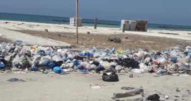 شكوى من استمرار تراكم القمامة بشاطئ النخيل كيلو 21 طريق إسكندرية مطروح