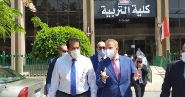 صور .. وزير التعليم العالى يتفقد امتحانات الفرق النهائية بتربية عين شمس