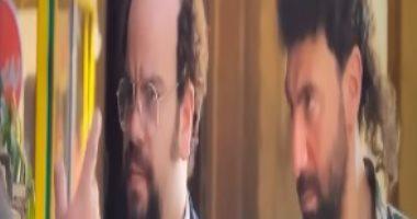 """محمد صلاح يشاهد مسلسل """"جمجوم وبم بم"""" ويشارك الجمهور مقاطع من الحلقة الأولى"""