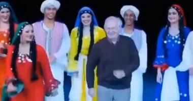 فيديو.. محمود رضا يرقص مع فرقته فى آخر ظهور له قبل وفاته